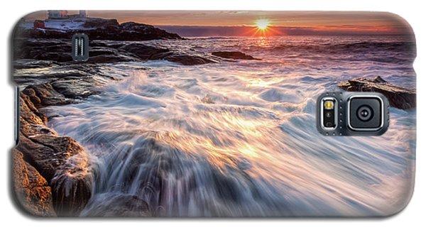 Crashing Waves At Sunrise, Nubble Light.  Galaxy S5 Case