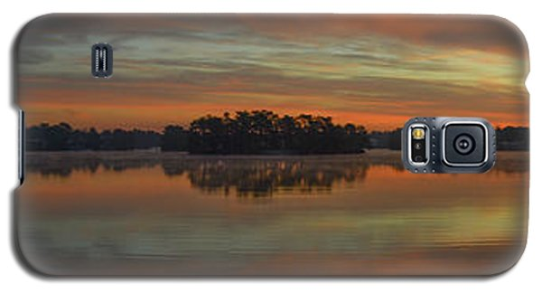 December Sunrise Over Spring Lake Galaxy S5 Case