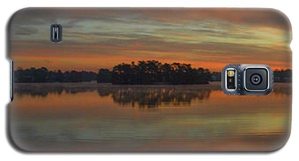 December Sunrise Over Spring Lake Galaxy S5 Case