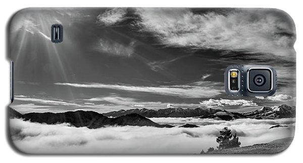Dramatic Yet Serene Galaxy S5 Case
