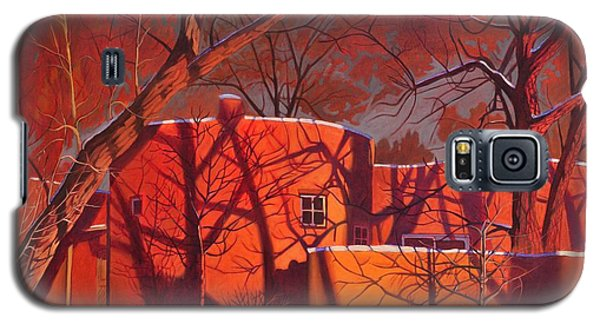 Evening Shadows On A Round Taos House Galaxy S5 Case