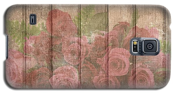 Faded Red Country Roses On Wood Galaxy S5 Case