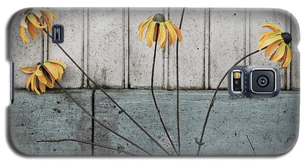 Fake Wilted Flowers Galaxy S5 Case