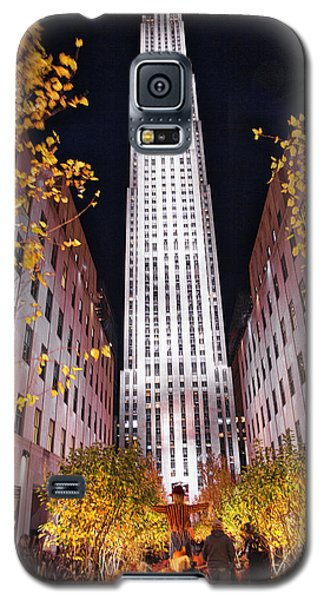 Galaxy S5 Case featuring the photograph Fall At Rockefeller Center by Jacqui Boonstra