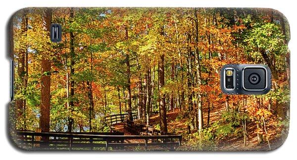 Fall Hike At Mirror Lake Galaxy S5 Case