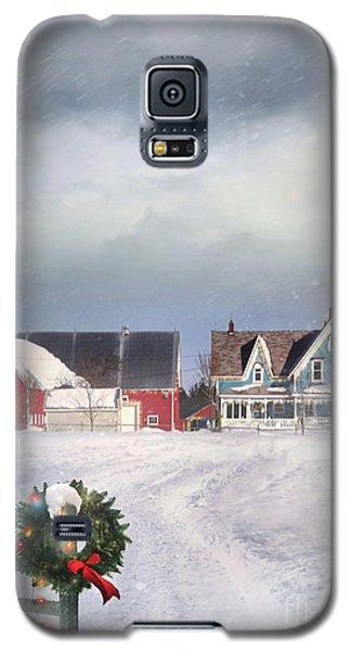 Farmhouse On Cold Winter Day Galaxy S5 Case
