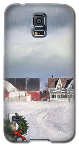 Farmhouse On Cold Winter Day Galaxy S5 Case