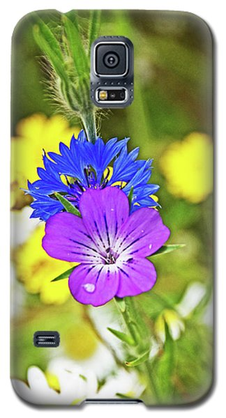 Flowers In The Meadow. Galaxy S5 Case