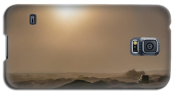 Foggy Morning In The Namib Desert Galaxy S5 Case