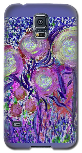Four Pink Flowers In Blue Galaxy S5 Case