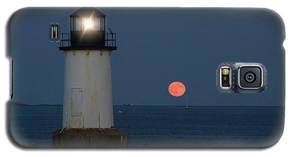 Full Moon Rising On Salem Harbor Galaxy S5 Case