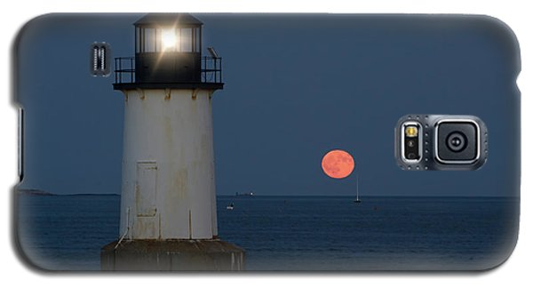 Full Moon Rising On Salem Harbor Galaxy S5 Case
