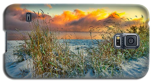 Grass And Snow Sunrise Galaxy S5 Case