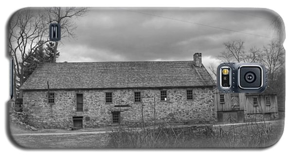 Grey Skies Over Fieldstone - Waterloo Village Galaxy S5 Case