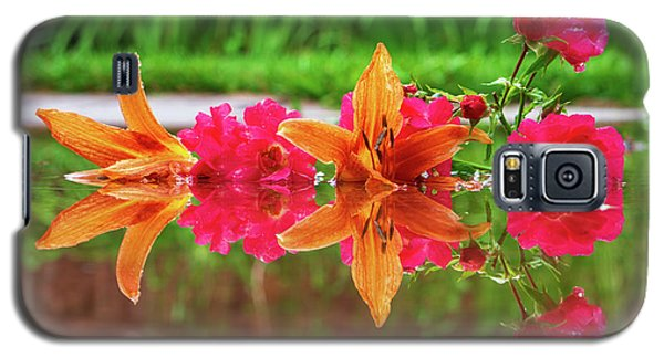 Lilies And Roses Reflection Galaxy S5 Case