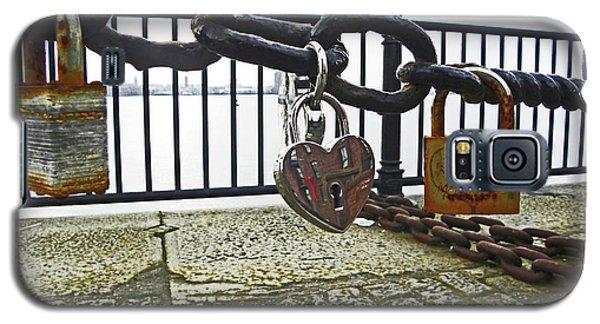 Liverpool. The Albert Dock. Eternal Love. Galaxy S5 Case