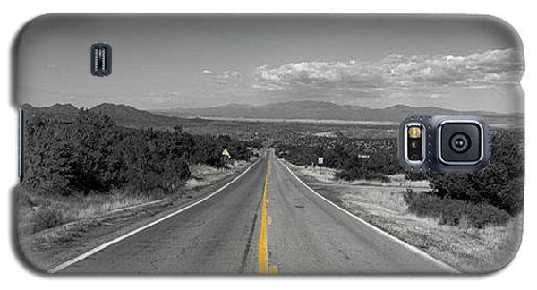 Middle Of The Road Galaxy S5 Case