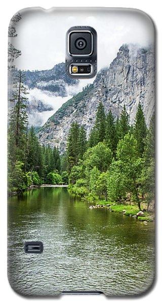 Misty Mountains, Yosemite Galaxy S5 Case
