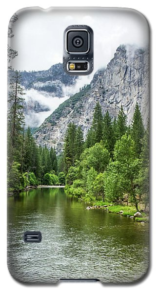 Misty Mountains, Yosemite Galaxy S5 Case