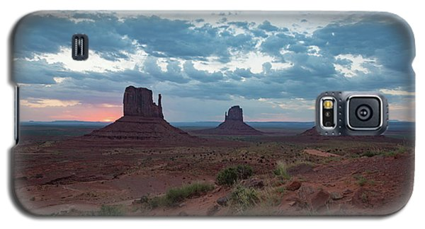 Monument Valley Before Sunrise Galaxy S5 Case