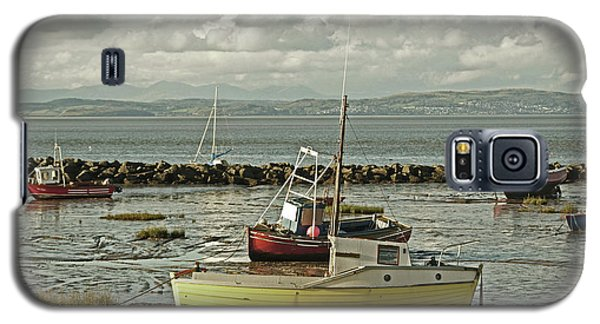 Morecambe. Boats On The Shore. Galaxy S5 Case