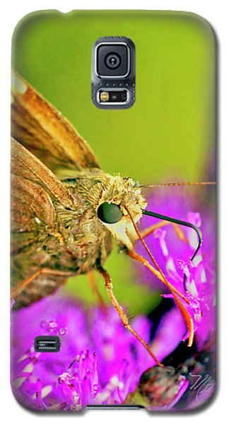 Moth On Purple Flower Galaxy S5 Case
