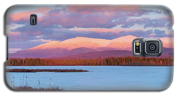 Mountain Views Over Cherry Pond Galaxy S5 Case