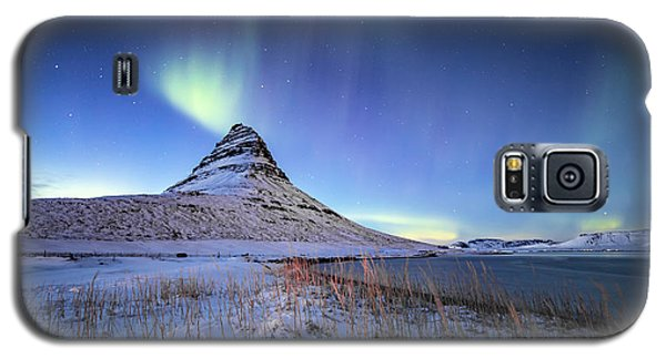 Northern Lights Atop Kirkjufell Iceland Galaxy S5 Case