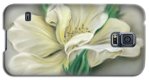Pale Yellow Rose And Green Rosebuds Galaxy S5 Case