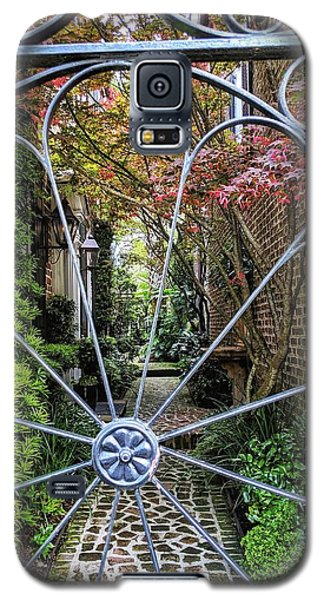 Peek-a-boo Garden Galaxy S5 Case
