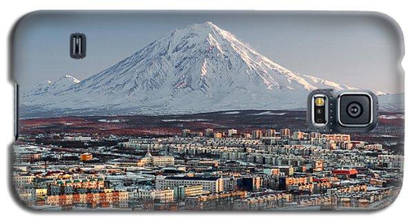 Icy Galaxy S5 Case - Petropavlovsk-kamchatsky Cityscape And by Alex Tihonovs