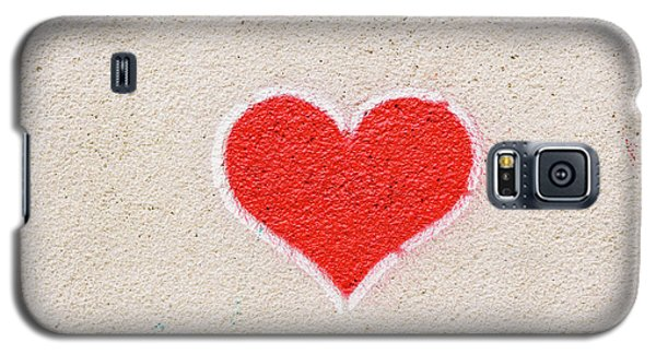 Red Heart Painted On A Wall, Message Of Love. Galaxy S5 Case