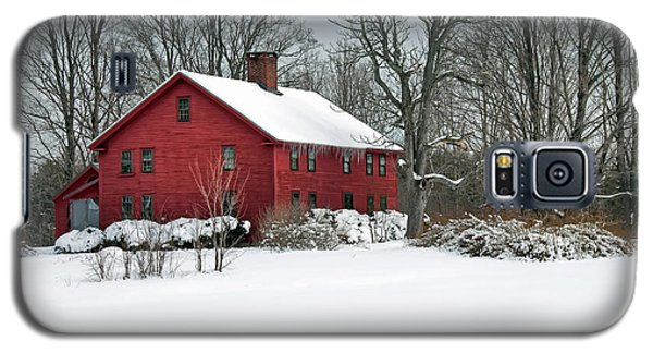 Red New England Colonial In Winter Galaxy S5 Case