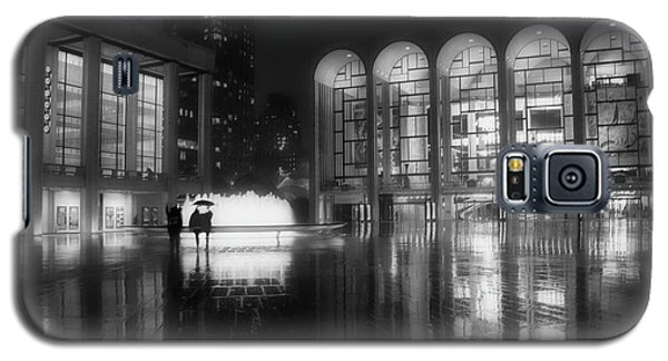 Galaxy S5 Case featuring the photograph Refuge Under The Umbrella At Lincoln Center by Jacqui Boonstra
