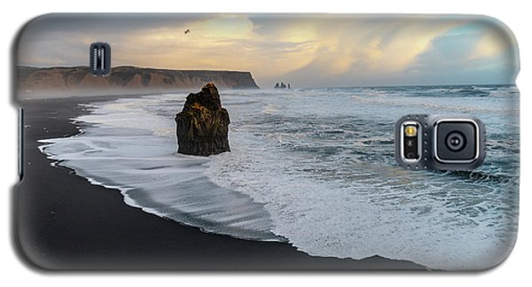 Reynisfjara Beach At Sunset Galaxy S5 Case