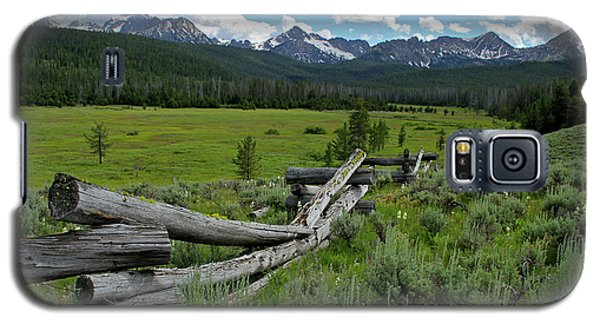 Sawtooth Range And 1975 Pole Fence Galaxy S5 Case