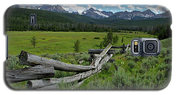 Sawtooth Range And 1975 Pole Fence Galaxy S5 Case