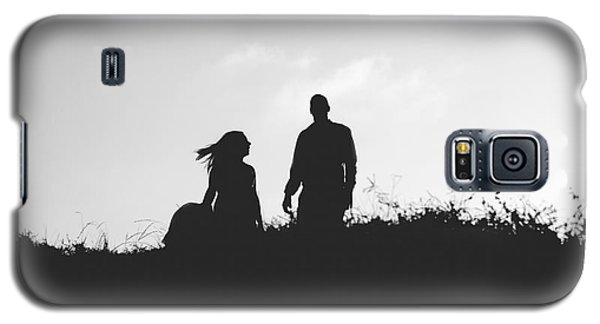 Silhouette Of Couple In Love With Wedding Couple On Top Of A Hil Galaxy S5 Case