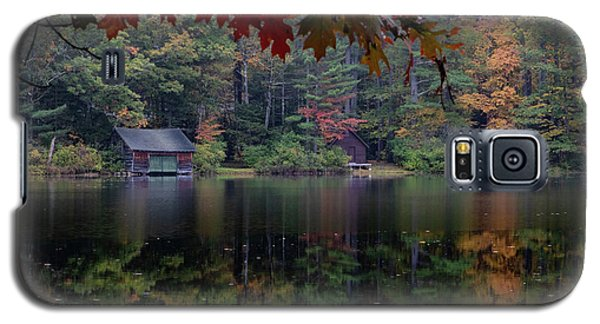 Small Pond New Hampshire Autumn Galaxy S5 Case
