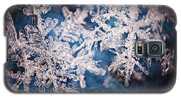 Icy Galaxy S5 Case - Snowflake Crystal Natural Snow by Kichigin