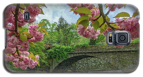 Spring Garden On The Bridge  Galaxy S5 Case