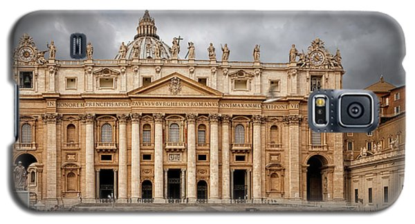 Galaxy S5 Case featuring the photograph St. Peter's Basilica by Jacqui Boonstra