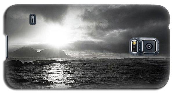 stormy coastline in northern Norway Galaxy S5 Case