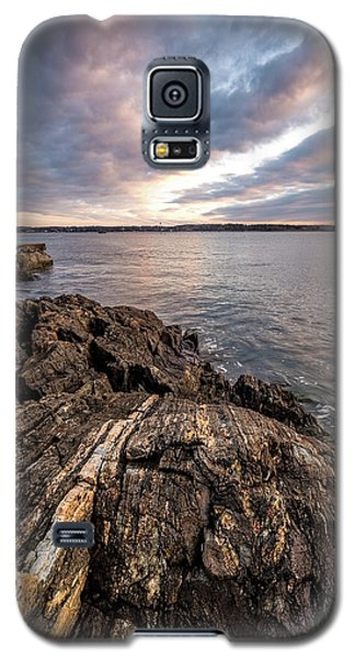 Striations. Leading Lines In The Rocks Galaxy S5 Case