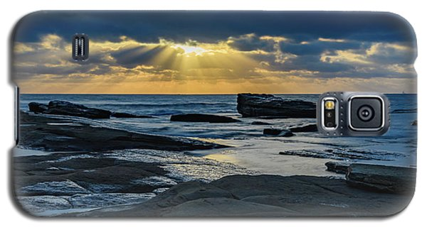 Sun Rays Burst Through The Clouds - Seascape Galaxy S5 Case