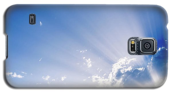 Sunbeams Rising From A Large Cloud In Intense Blue Sky On A Summer Afternoon Galaxy S5 Case