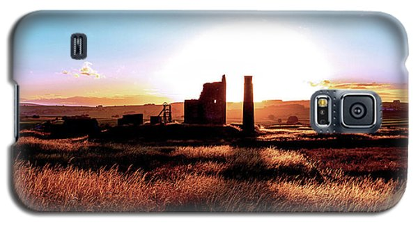 Sunset. Magpie Mine. Galaxy S5 Case