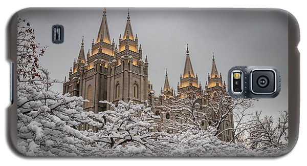 Temple In The Snow Galaxy S5 Case
