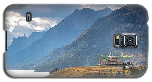 The Prince Of Wales Hotel Overlooking Upper Waterton Lakes Galaxy S5 Case
