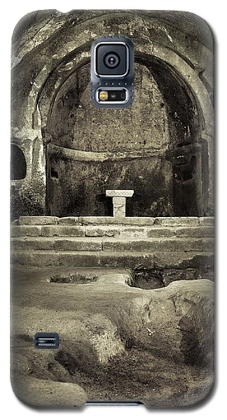 Tomb And Altar In The Monastery Of San Pedro De Rocas Galaxy S5 Case
